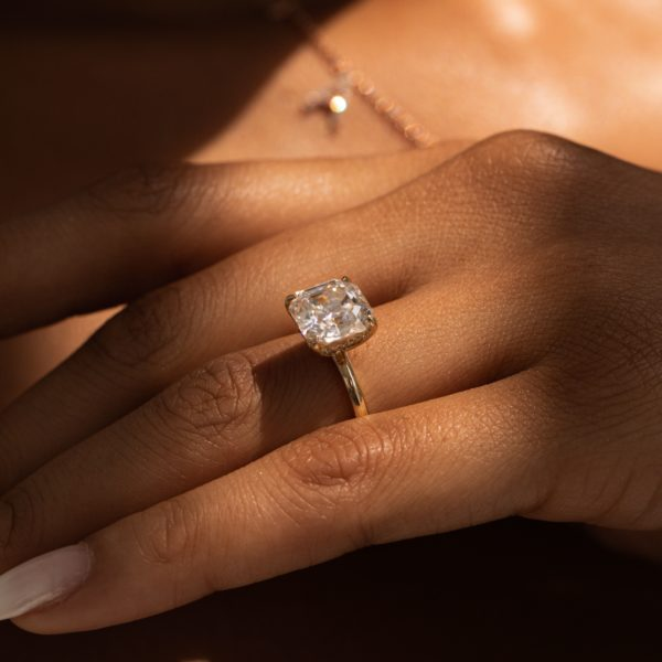The Alma Moissanite