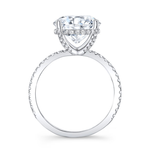 The Clarissa Moissanite